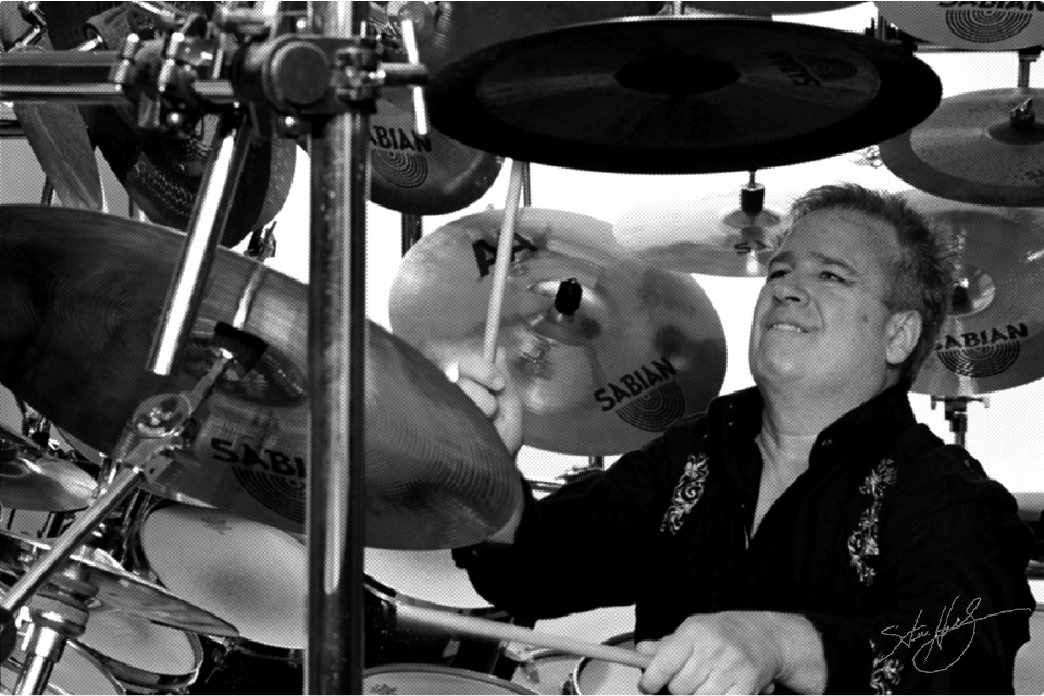 Ottawa Drum Teacher Steve Hollingworth is a world class drummer with decades of professional experience.